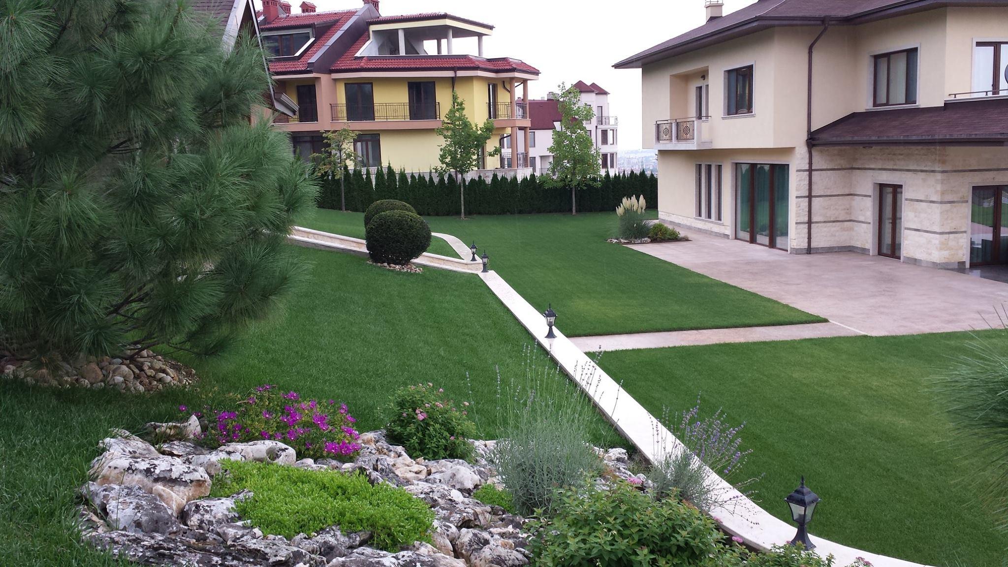 """Озеленяване на двор в кв. """"Бояна"""""""